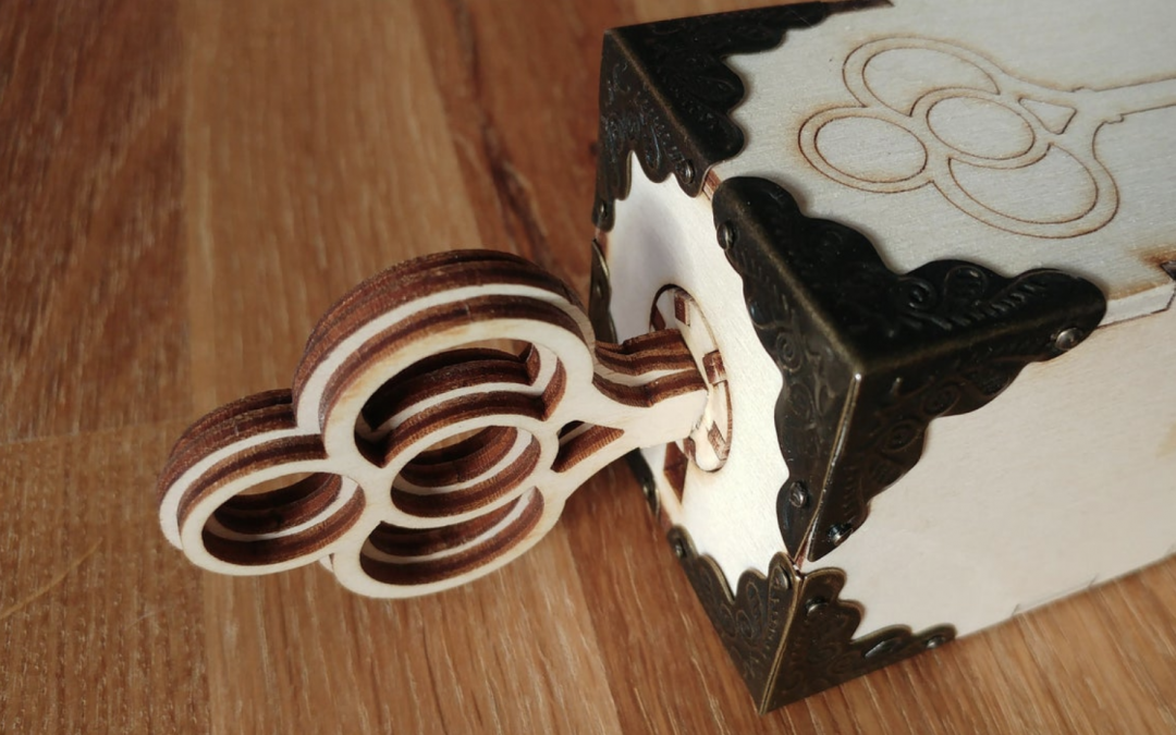 Using laser cutting for plywood puzzles